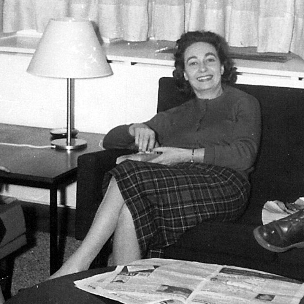 1958 Daphne Laughing in Frankfurt