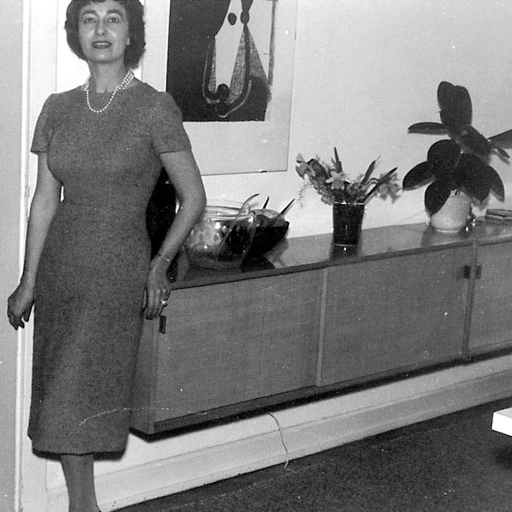 1958 Daphne in House in Frankfurt