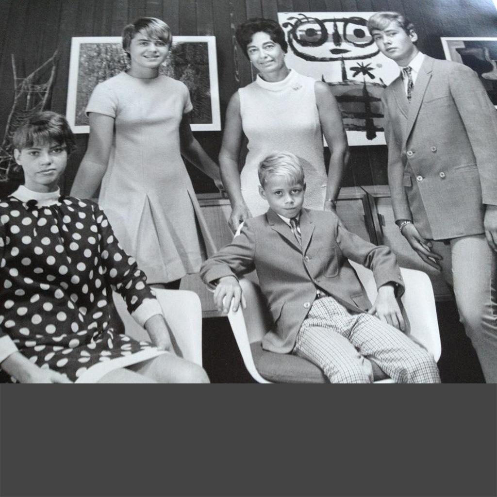 1960x Niki Karen Daphne Mark Shaun