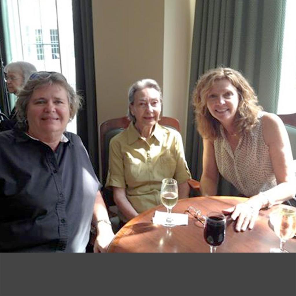 2012 Aug 17 Happy hour with Karen & Niki