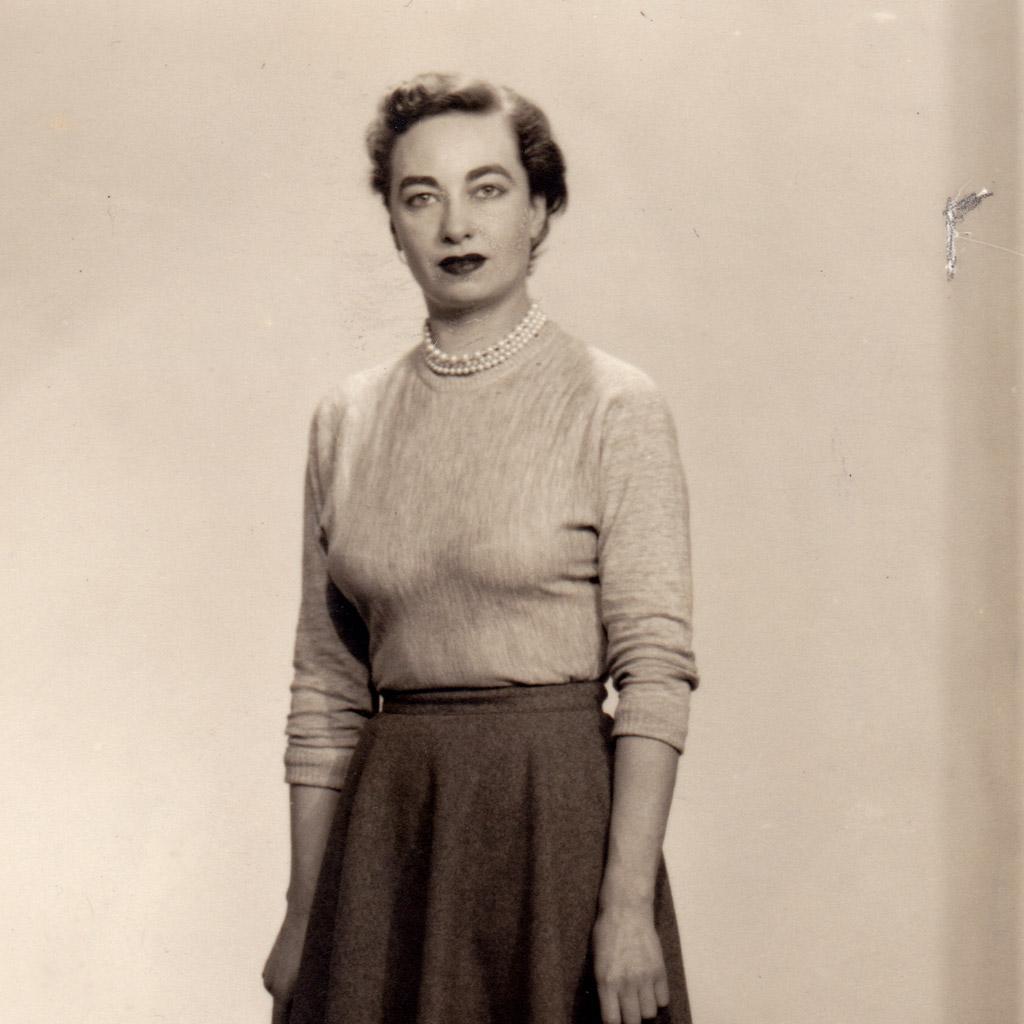 1940 Brown B&W Daphne Harrell
