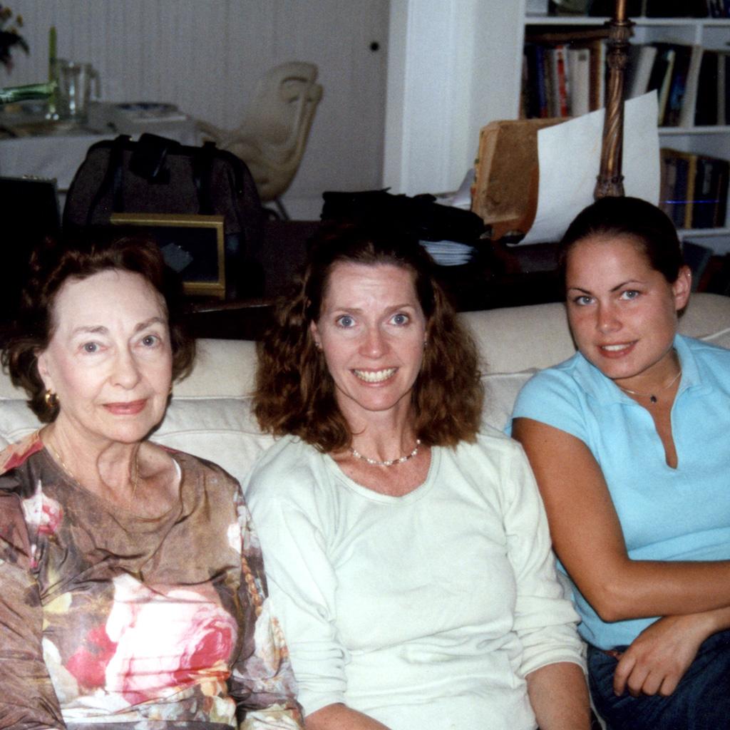 Feb 2002 Daphne Niki Sasha